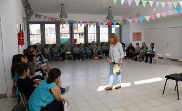 LEER DESDE LA CUNA: Se brindó una capacitación para docentes de nivel inicial y maternal a cargo de Maryta Berenguer
