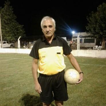 """Martínez, uno de los árbitros del Fútbol Sénior: """"Se juega mucho al fútbol, y veo mucho respeto"""""""