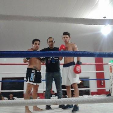 Buen festival boxístico y de kick boxing en Salazar