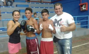 Boxeo: Más de 500 personas en el Complejo 'República de Venezuela'