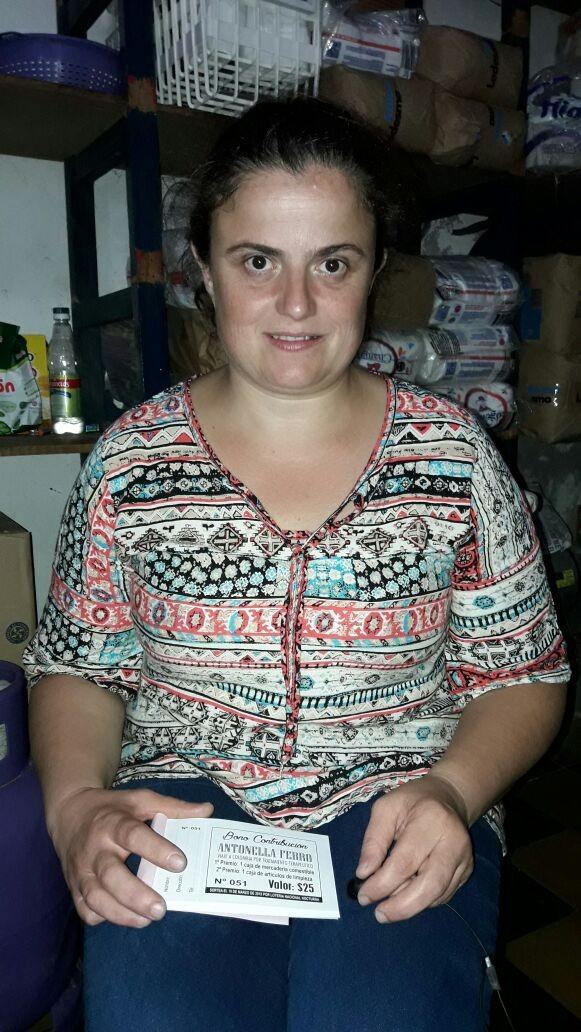 Antonella necesita de la comunidad para seguir su tratamiento terapéutico