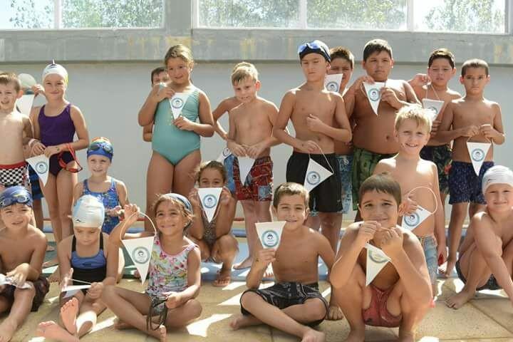 Se desarrolló un torneo de natación en el Natatorio Municipal
