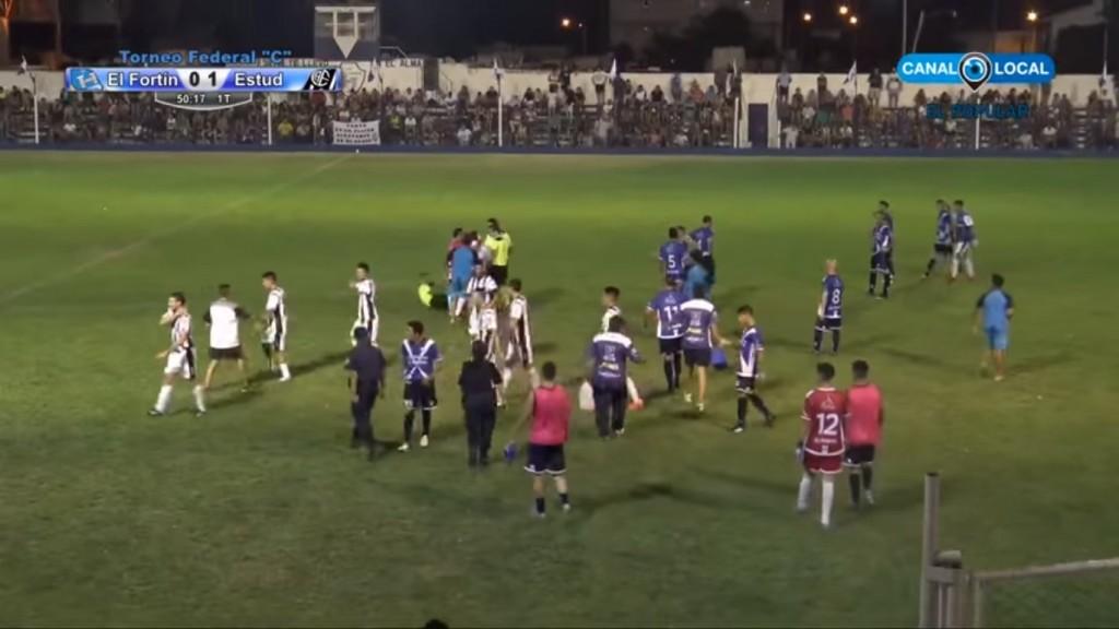 Suspendieron Estudiantes versus El Fortín, por agresión al árbitro