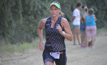 Triatlón General Alvear: la bolivarense Silvina Arredondo fue la ganadora