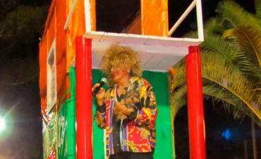 Alabart: 'Nos divertimos con amigos en el carnaval'