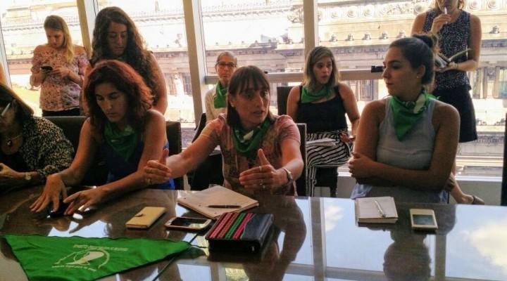 Se prepara una presentación del proyecto de Ley de aborto en el Congreso
