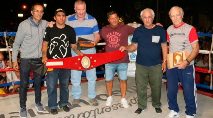 Se realizó el festival de boxeo en el Centro Cívico