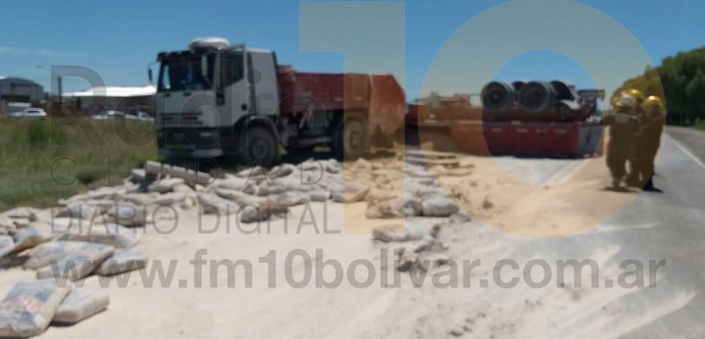 Se produjo el vuelco de un camión en Ruta 226 km 398; sin consecuencias para el conductor
