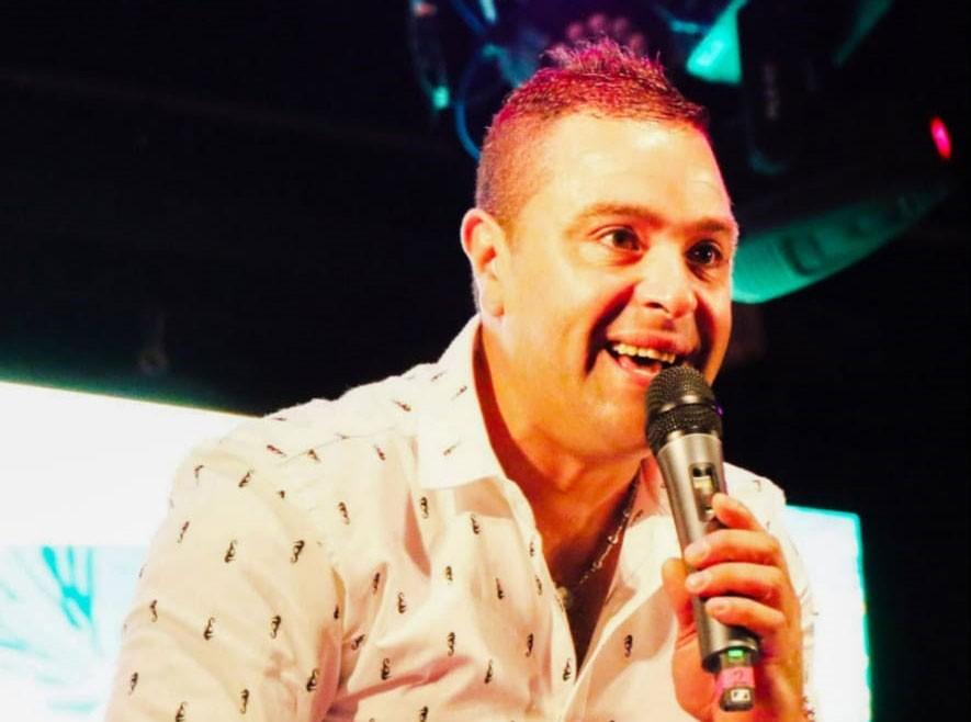 Lucas Barranco llegó a La Radio para alegrar con buena música un lluvioso sábado