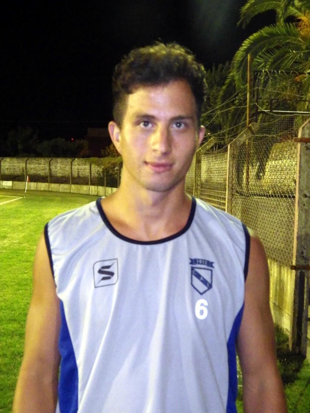 Jorge Bazar: 'La idea de volver a Independiente se dio porque es un club donde me siento cómodo'