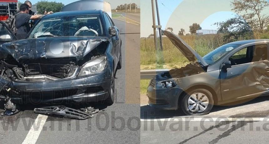 Violento impacto entre dos automóviles en Ruta 226 y 65