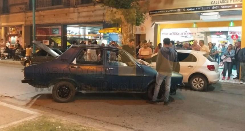 La Policía logró reducir a un peligroso conductor en pleno centro