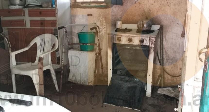 Principio de incendio en la cocina de una vivienda en Barrio Casariego