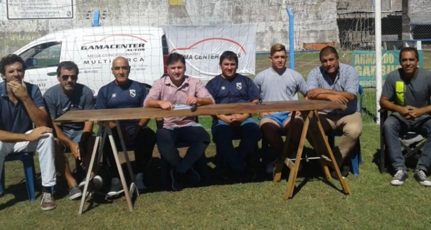 El Club Independiente comienza la pretemporada en el Natatorio Municipal