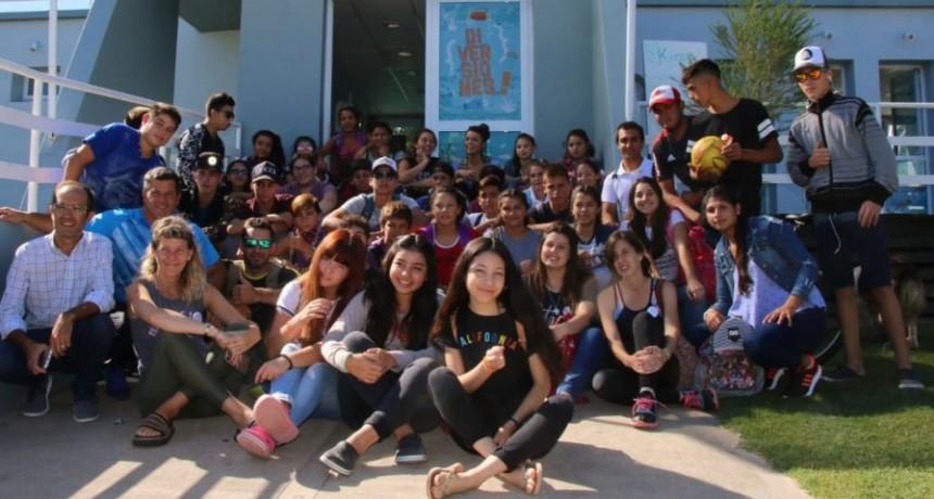 Niños deroenses visitaron el Parque Acuático Municipal