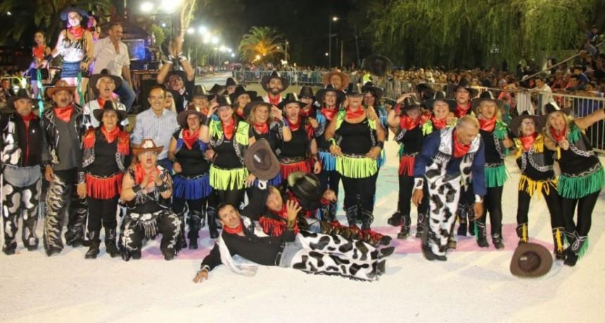 Carnavales 2019: Plumas, colores, música y diversión vistieron la primera noche