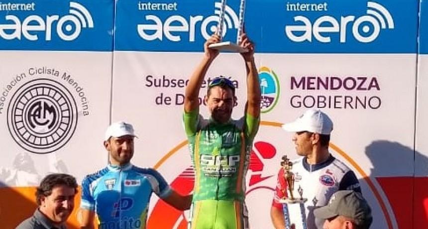 Juan Pablo Dotti ganó la tercera etapa de La Vuelta de Mendoza y quedó a 35 segundos de Cepeda en la general