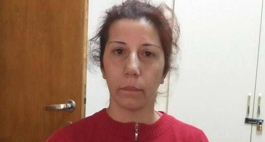 Lorena Romero, vecina que perdió todo en el incendio del pasado sábado necesita alquilar una vivienda