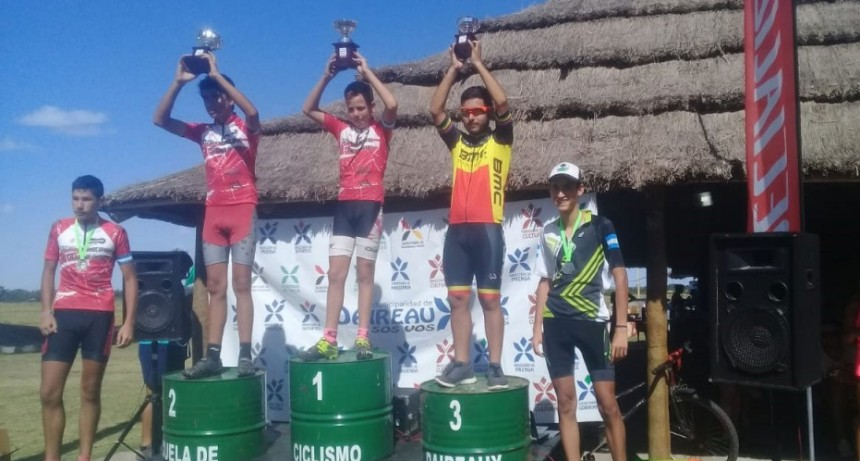 La Escuela de Ciclismo Municipal participó de competencias en Balcarce y en Daireaux