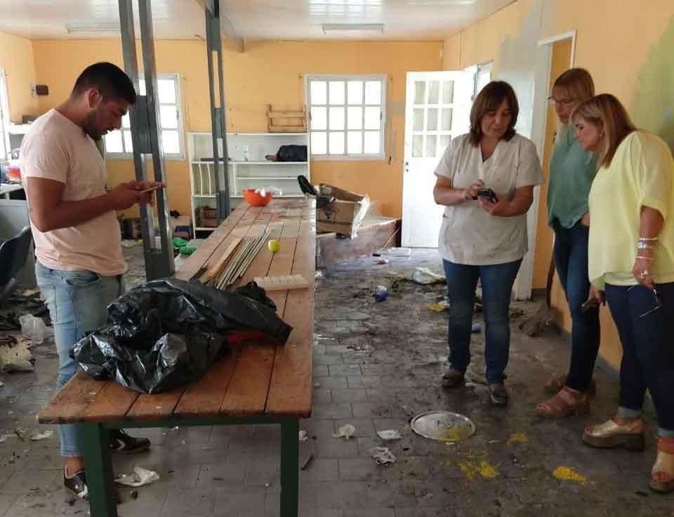 Consejeros Escolares recorrieron el taller de la EEE N.º 502