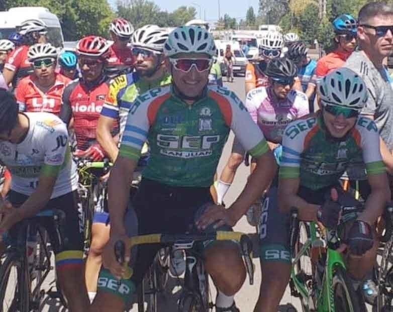 Juan Pablo Dotti y los Bichos Verdes dieron pelea y siguen mandando en la Vuelta de Mendoza
