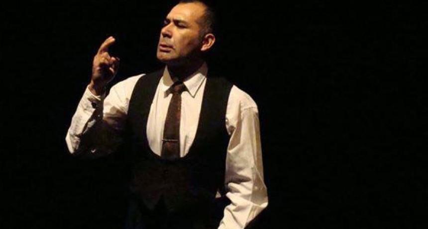 Gustavo Delfino: 'El teatro es una manera sana de aprender a construir vínculos de comunicación con otros'