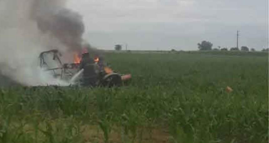 América; Cayo un avión fumigador y el piloto salvo su vida