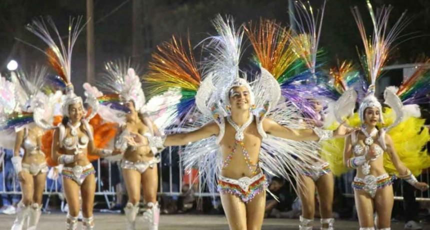 La comparsa Mirú Mirá cerró la última noche de carnaval