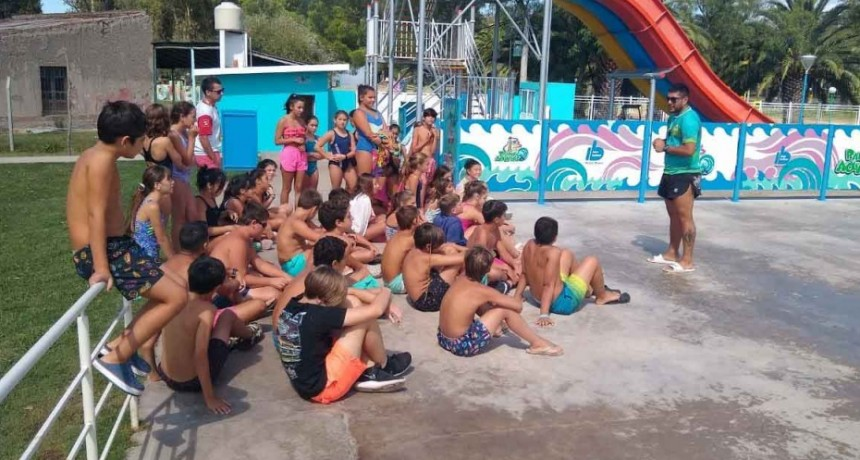 Niños y niñas del Socavón visitaron el Parque Acuático