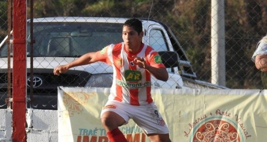 Juan Fernández; 'Me quedo en Empleados porque encontré un club prolijo y apasionado por el futbol'