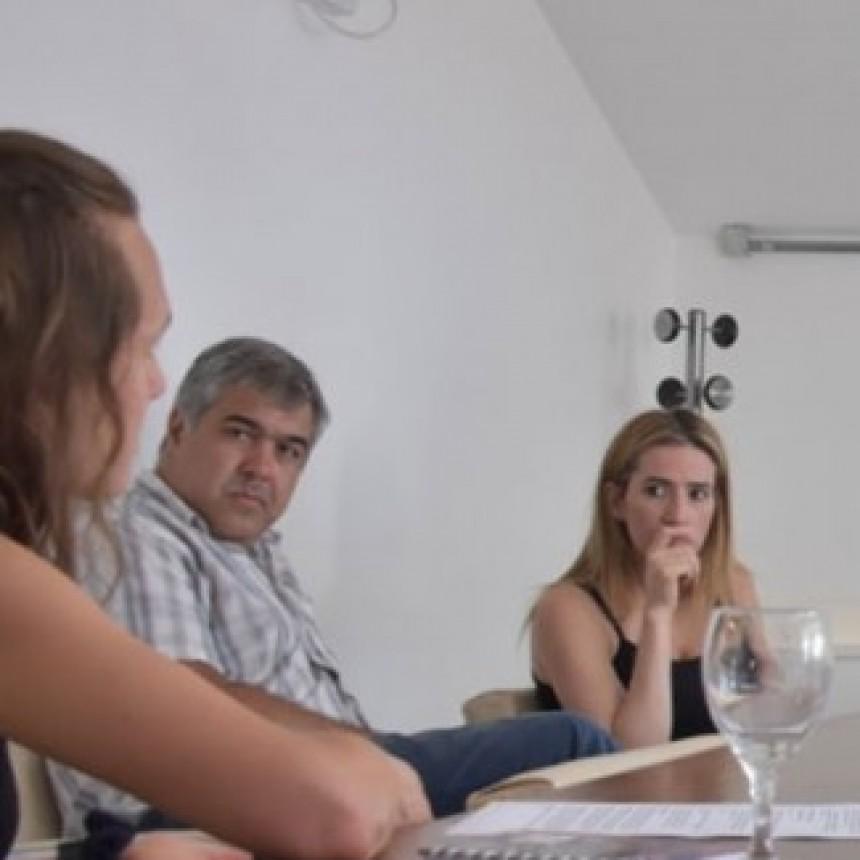 """La Defensoría capacitó a sus delegados para que brinden el taller """"Cortá a Tiempo"""" en sus distritos"""