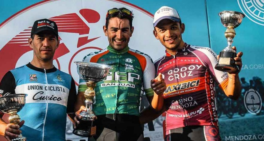 44º Vuelta de Mendoza; Juan Pablo Dotti se agigantó en Maipú