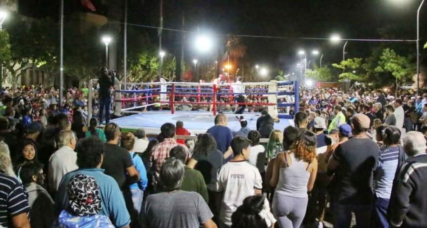 El Centro Cívico se convirtió en un gran ring de Boxeo al aire libre