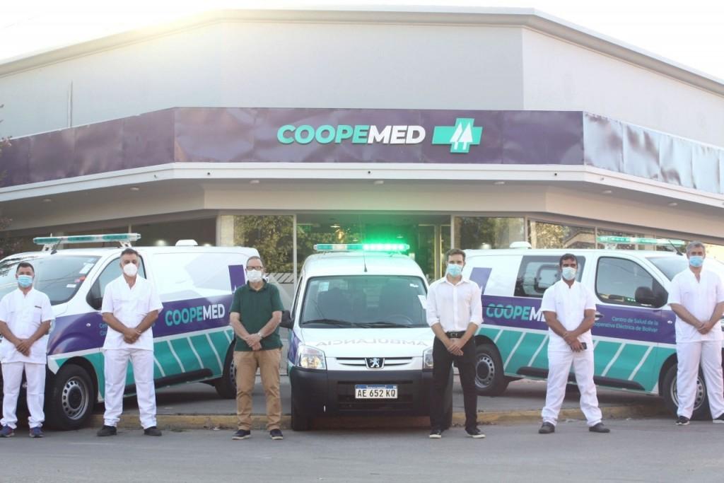 Coopemed se fortalece, fueron presentadas las tres ambulancias cero kilómetro