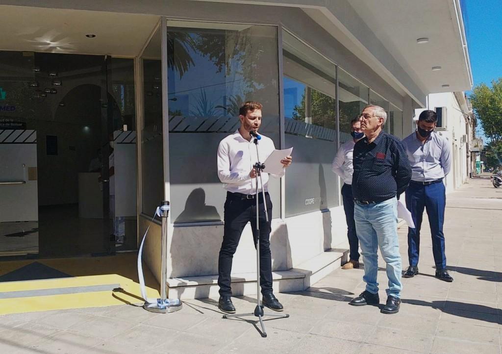 De manera simbólica, con integrantes del Consejo de Administración y autoridades municipales, quedó inaugurado el Centro de Salud de la Cooperativa Eléctrica
