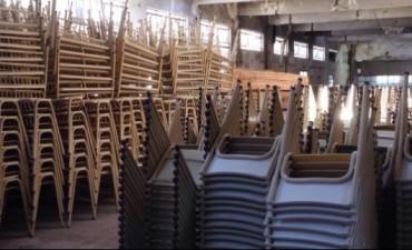 """""""El Operativo escuelas lleva entregados 6.615 pupitres y 13.230 sillas de todos colores"""""""