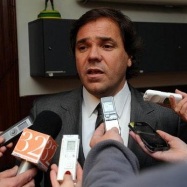 Pérez instó a reflexionar a los gremios que convocan al paro