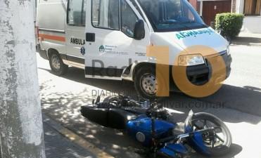 Un joven motociclista debió ser trasladado hacia Bolívar