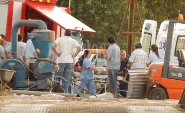 Nueve de Julio: Un hombre fue rescatado por Bomberos Voluntarios, tras ser tapado por expeler de girasol en un silo