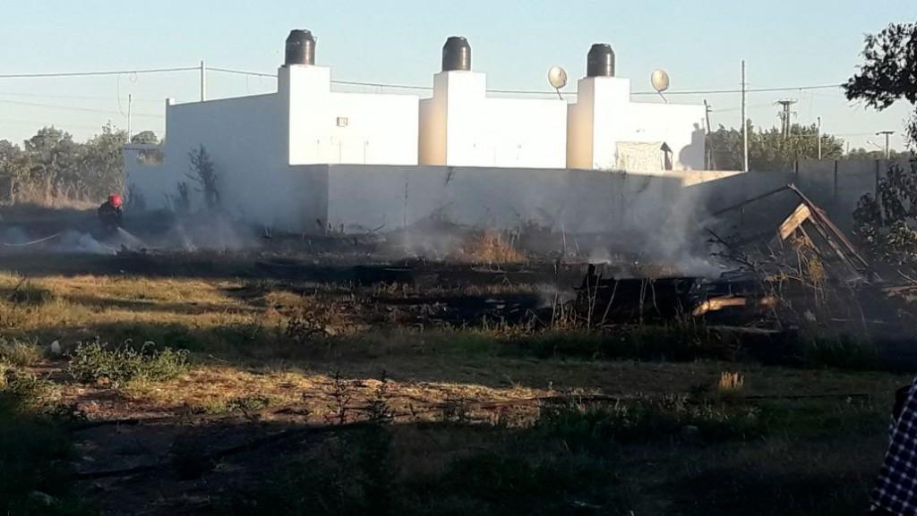 Preocupante: Las llamas estuvieron cerca de una vivienda
