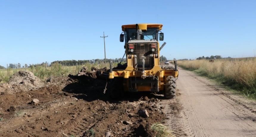 Se realizan trabajos de mejoramiento en el camino a Miramar