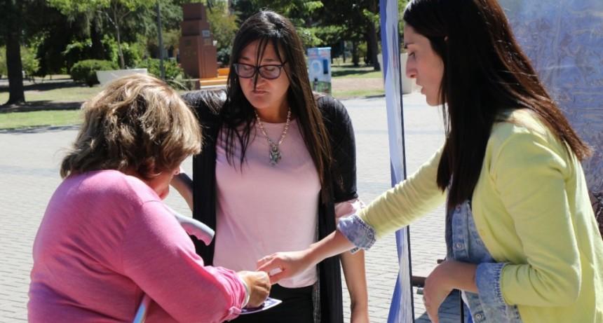 La OMIC atendió reclamos de vecinos en el Centro Cívico