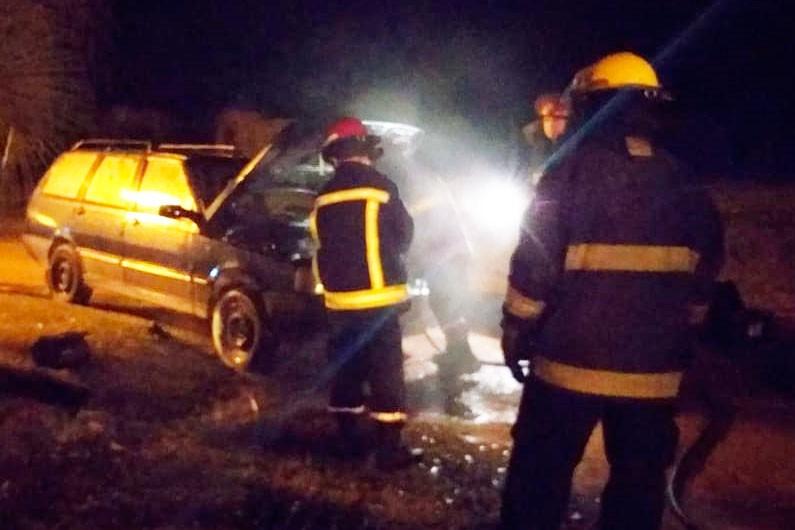 Se registró un principio de incendio en un vehículo en el Parque las Acollaradas