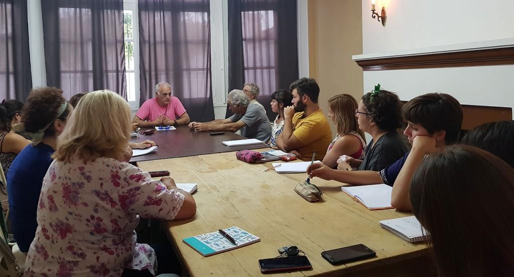 La municipalidad brinda un taller de investigación social