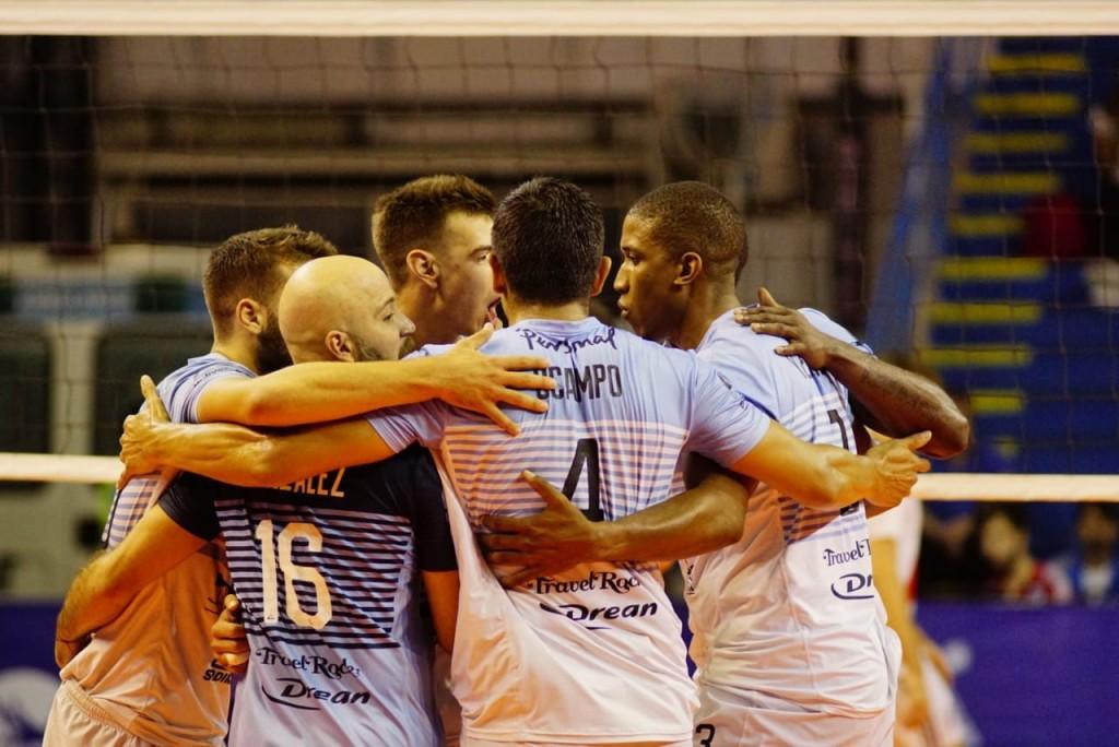 Bolívar Vóley dio el primer el paso en su camino hacia las semifinales de la Liga de Voleibol Argentina.