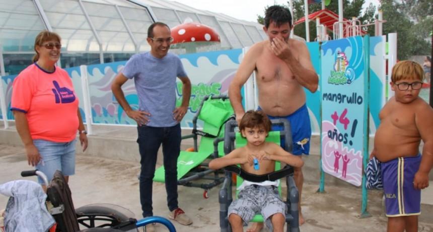 El CAEA y el Taller Protegido de Urdampilleta visitaron el Parque Acuático Municipal