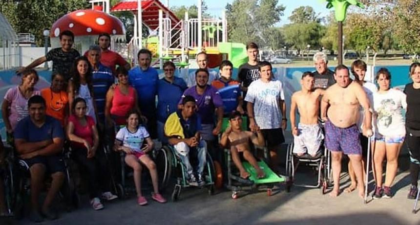 Pisano acompañó a los atletas convocados por FEDEPAC al Parque Acuático Municipal
