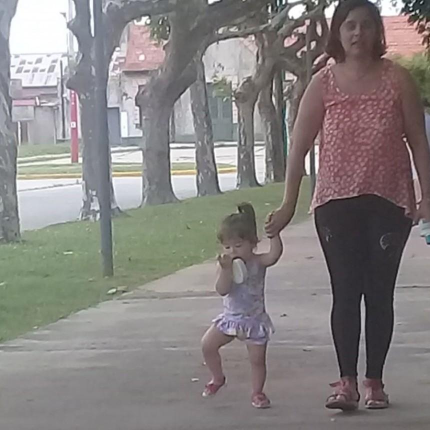 Desesperada búsqueda de una madre y su pequeña hija