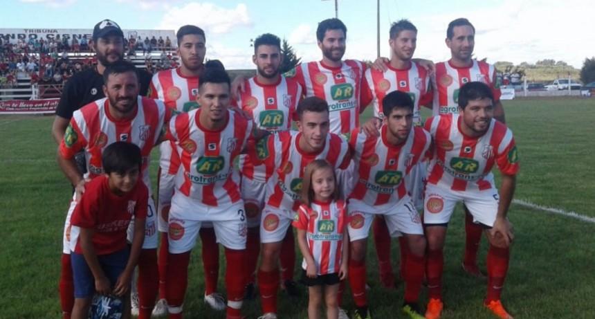 Empleados sigue mostrando supremacía en los torneos de verano, eliminó nuevamente a Independiente