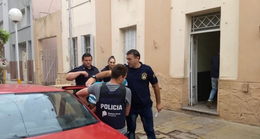 Parte de Prensa Comisaria de Bolívar: Se detuvo a un masculino acusado del robo de una motocicleta